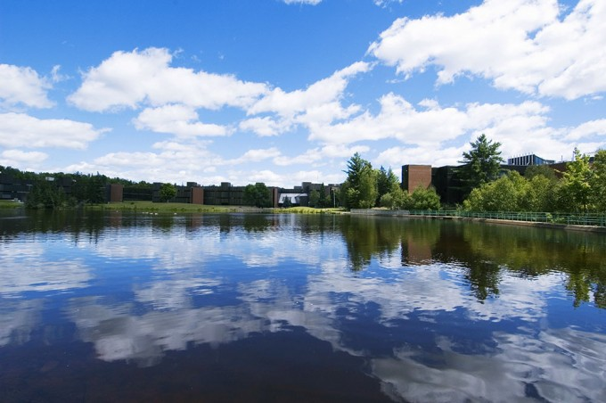 Nipissing_University-Pond-006-680x452
